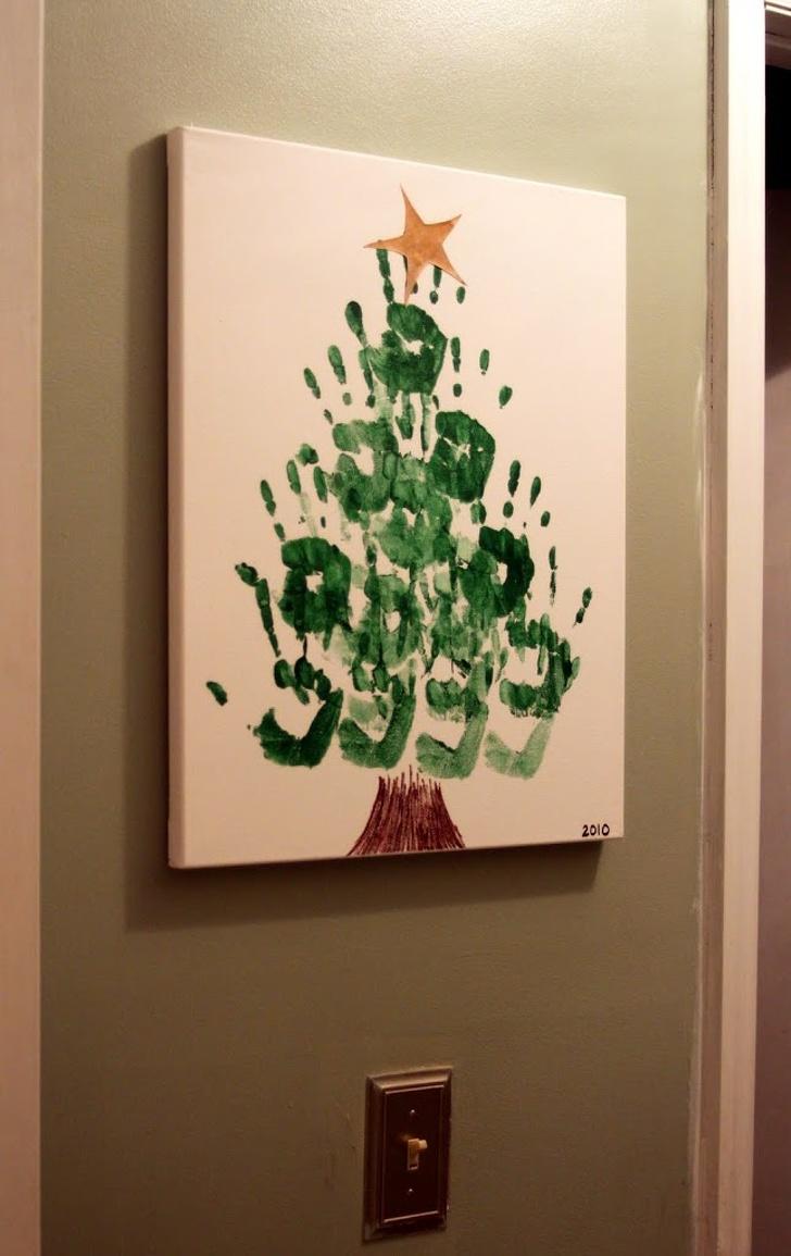 Рисувано коледно дърво