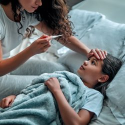 Деца с температура