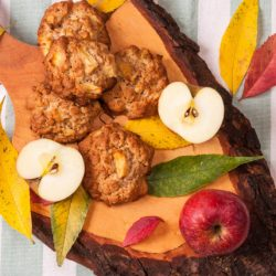 Сладки с ябълки